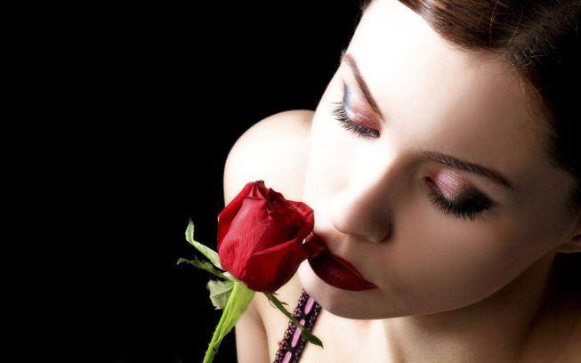Šta je pisac hteo da kaže? - Majacvet - Page 4 Fantasy-art-women-sexy-red-rose-fashion-woman-hair-442032-e1380224120925